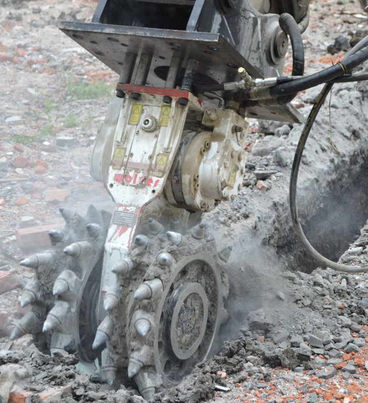 drum cutter working in the coal mining